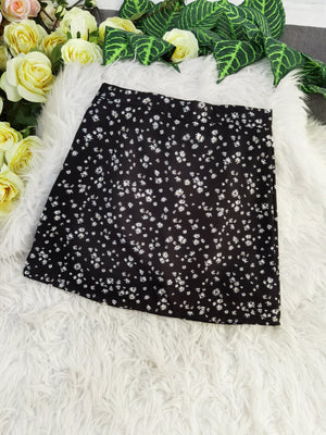 Flower Skirt 8166 Black / S Bottoms