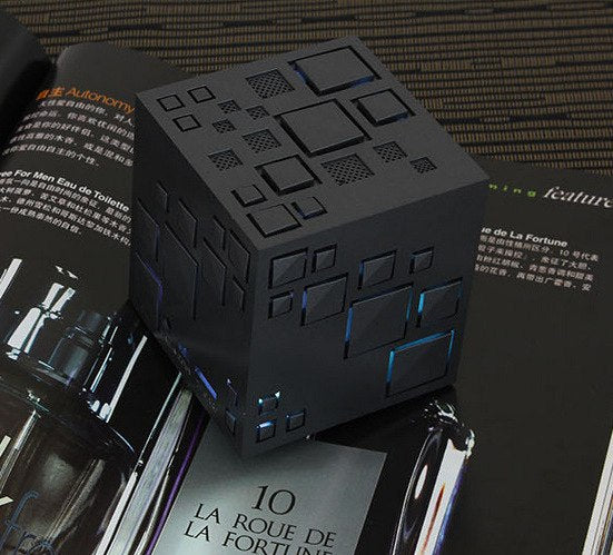 Hyper Cube Series- Bluetooth/Aux Speaker with AM Radio