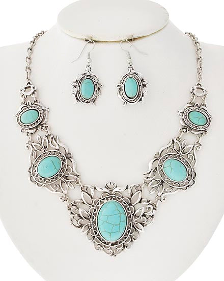 Kyndra Necklace Set