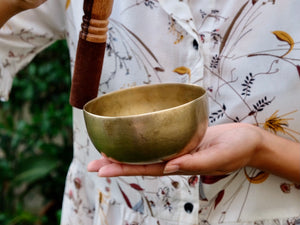 Small Old 'Tara' Singing Bowl - Base Note D# (305 Hz)