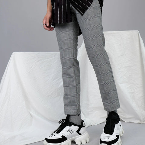 SLIM FIT TROUSERS - TEXTURE