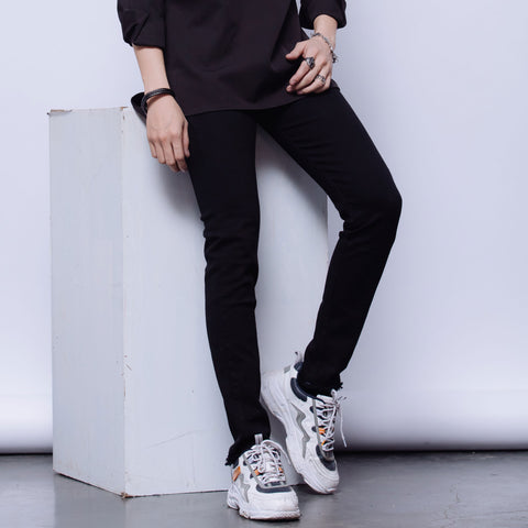 #1 SKINNY IN BLACK 000574