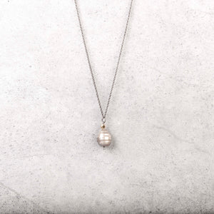 Spanish Solitare Pearl Necklace