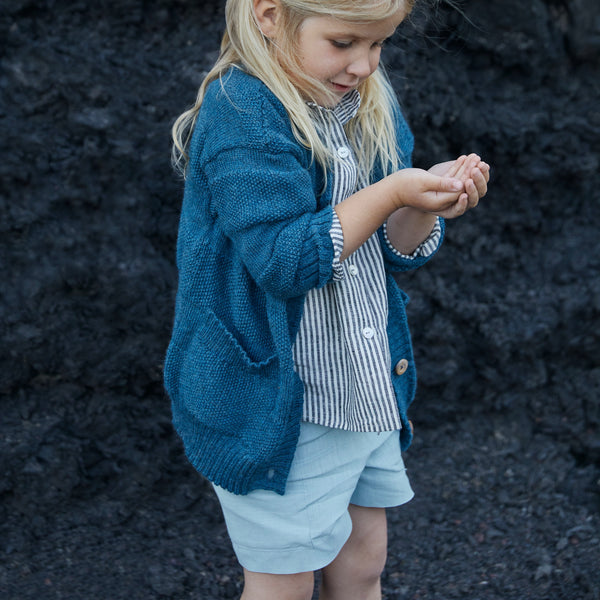 chemise sans col enfants en lin, As We Grow, sustainable slow fashion durable et equitable fashion pour enfants, chemise rayee en lin