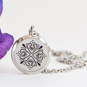 Four heart clover Aromatherapy/ Essential Oil Diffuser locket necklace