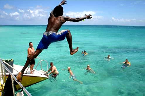 Australian Cricket Tours - Diving Into The Tranquil Waters Of Antigua & Barbuda
