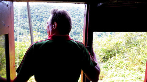 Australian Cricket Tours - Standing In The Doorway Of A Train, Amazing At The Passing Landscape, Kandy, Sri Lanka