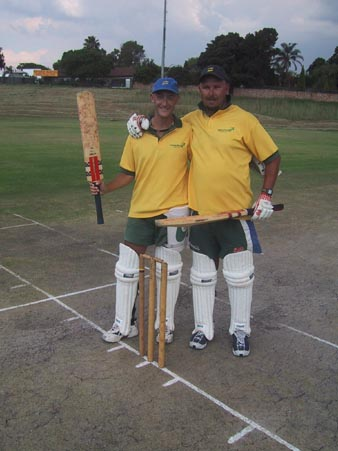 Australian Cricket Tours - Darren Moulds & Luke Gillian Pose For The Australian Media Team V South Africa Media In Johannesburg 2002