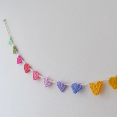 Beginners Crochet - Heart Bunting