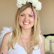 Flower Crown - Learn to make your own Flower Crowns online and interactive flower crown party with Tea and Crafting