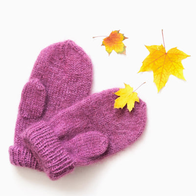 Seamless Knitted Mittens