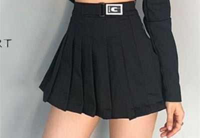 Blackpink Rosé Long Sleeve Crop Top and Pleated Skirt