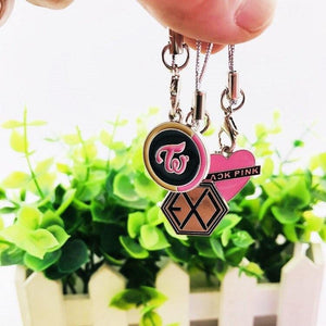 EXO BLACKPINK GOT7 TWICE SEVENTEEN NCT Enamel Phone Key Holder