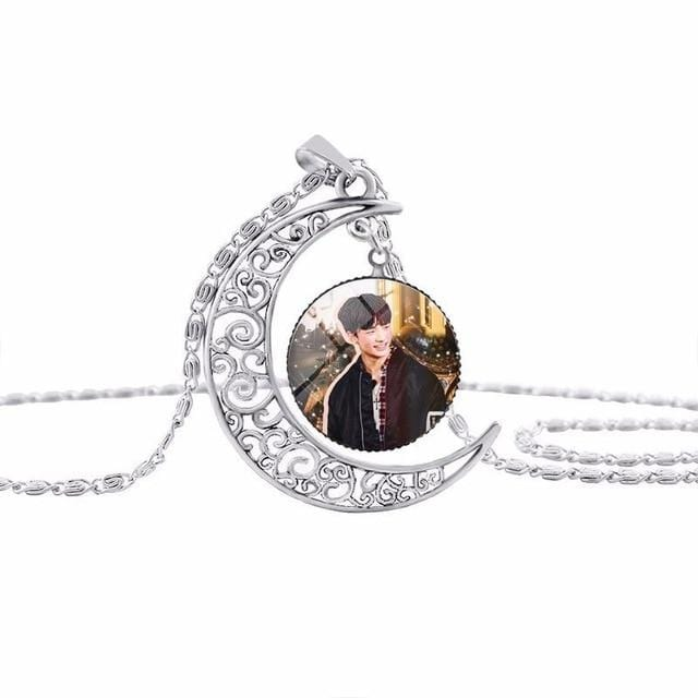 Stray Kids Moon Pendant Necklace