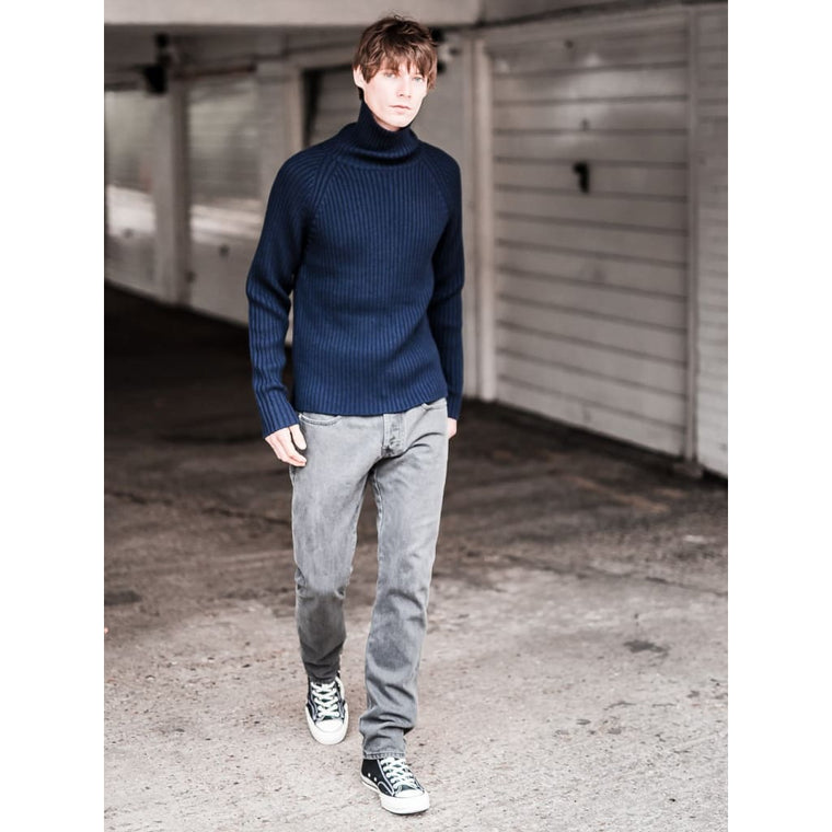 PETWORTH ROLLNECK in NAVY MERINO