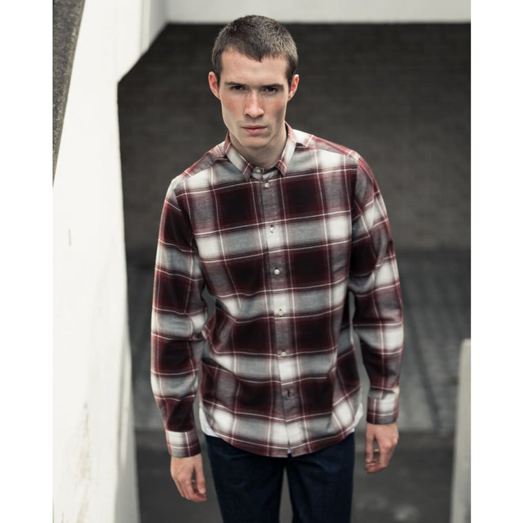 SLATE SHIRT in RED LARGE CHECK