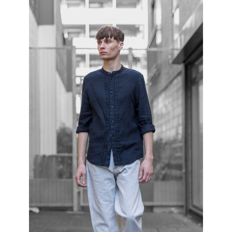 TYPE 2 GRANDAD SHIRT in NAVY LINEN