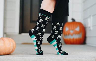 Woven Pear - Skull and Crossbones Socks