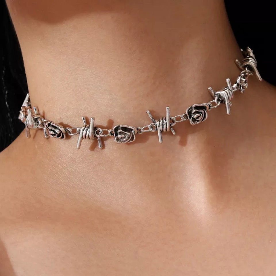 BARBED ROSE CHOKER