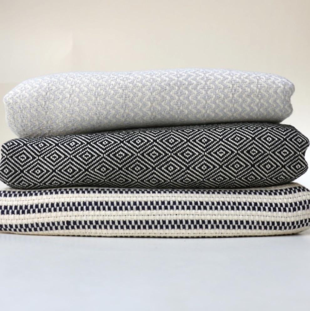 Bon Bini Sabadeco Super Soft Wrap and Throw Light Grey