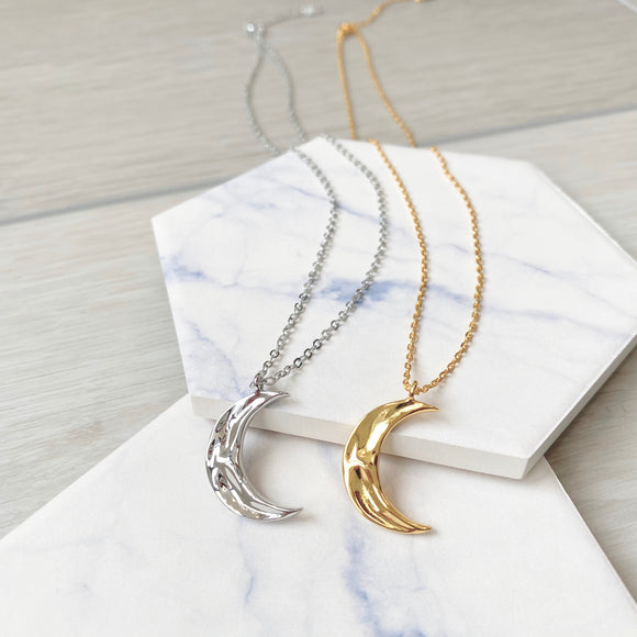 Wavy Moon Necklace