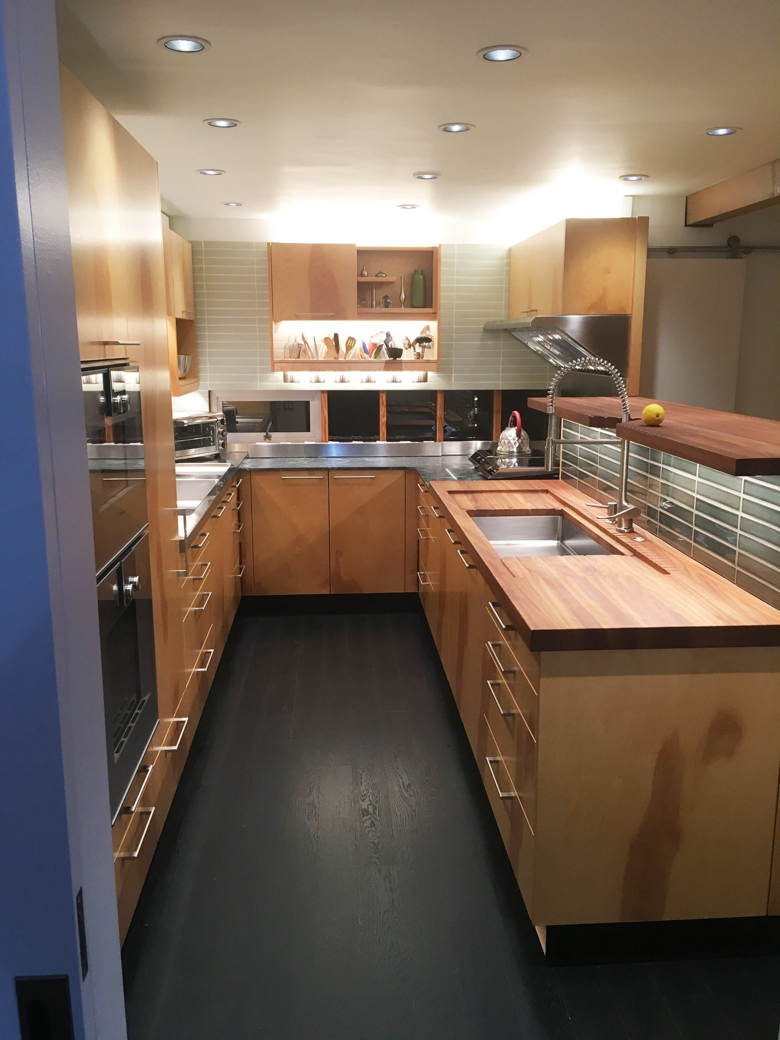 Venice showroom kitchen
