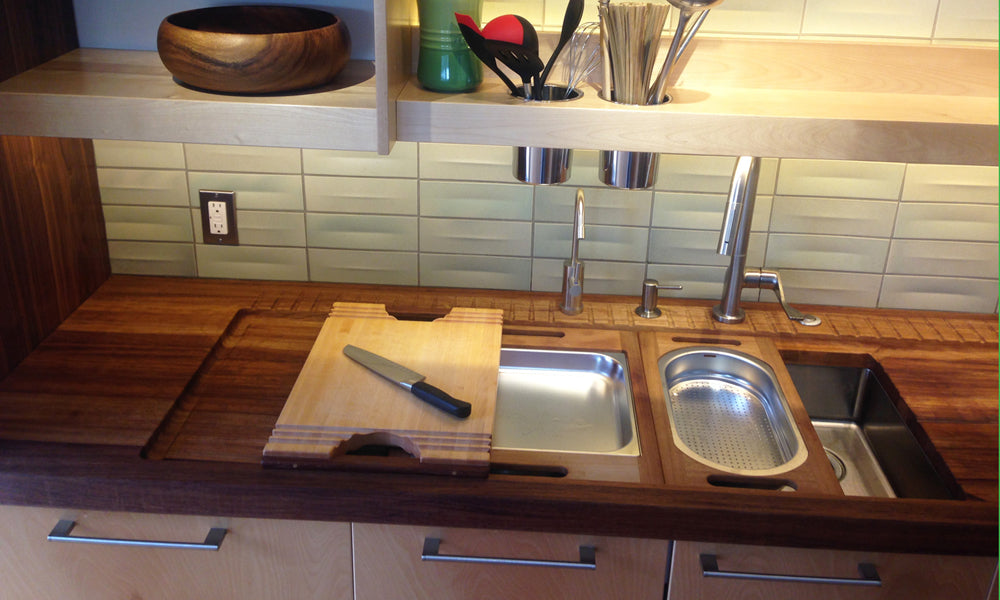 Premium proximity kitchensystem® counter in Iroko