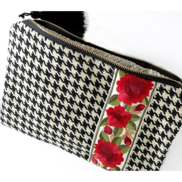 black-houndstooth-womens-clutch-bag