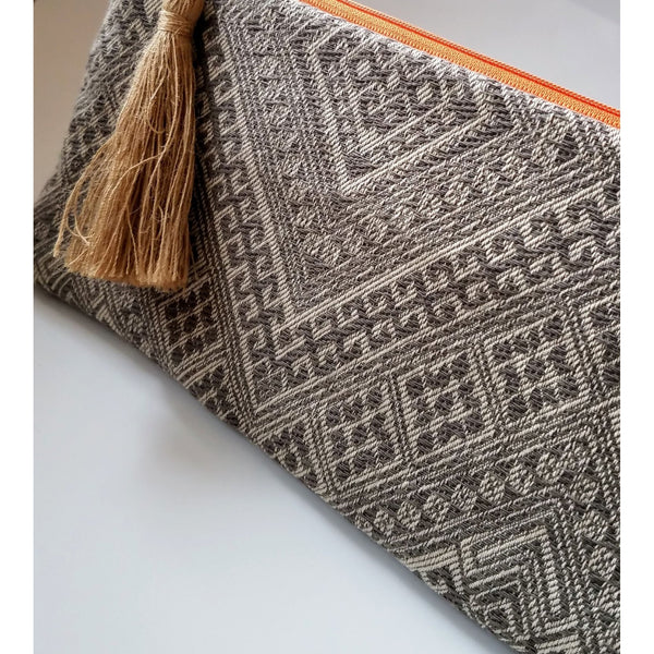 grey-tribal-print-clutch