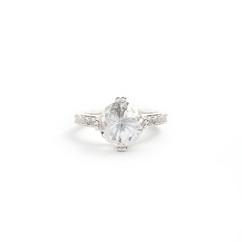 10mm Solitaire Ring with 8 side stones