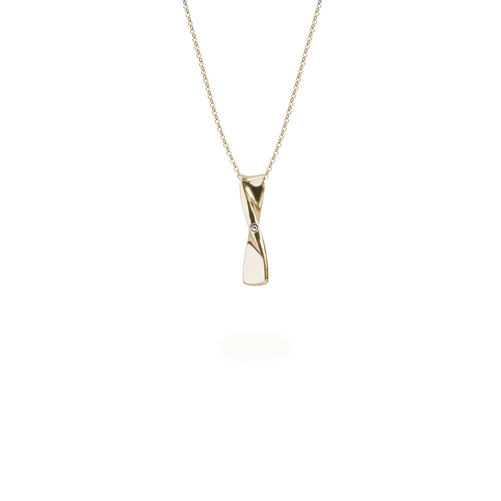 gold pendant necklace hypoallergenic