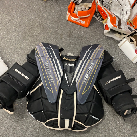 Used Bauer S190 Goalie Chest Protector - L