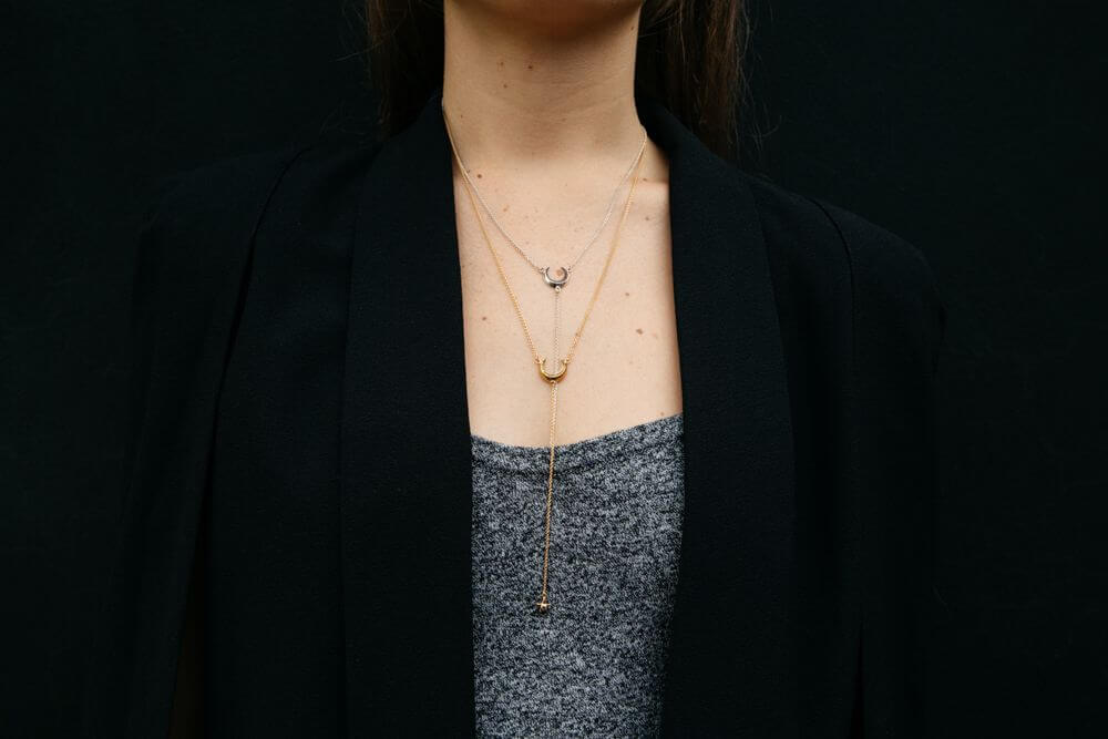 Hanwi Pendulum Necklace