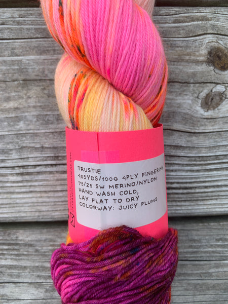 DESTASH- Cat Sandwich Fibers