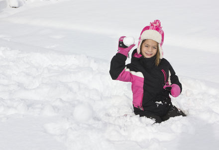 Keeping It Fun: 7 Safety Tips for Snowball Fights and Kids Playing in the Snow