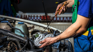 5 REASONS TO GET AN OIL CHANGE THIS MONTH