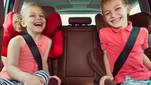 ROAD TRIP? 4 ACTIVITIES TO KEEP KIDS BUSY