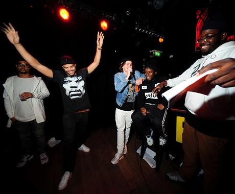 KNOWLEDGE REIGNS AT THE HIP-HOP QUIZ IN AMSTERDAM