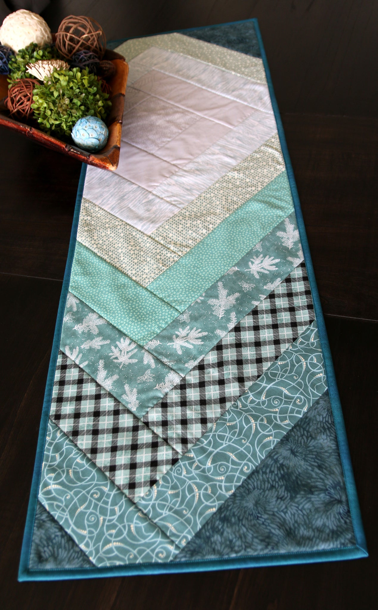Off Kilter Table Runner Pattern And Video Class Ge Designs