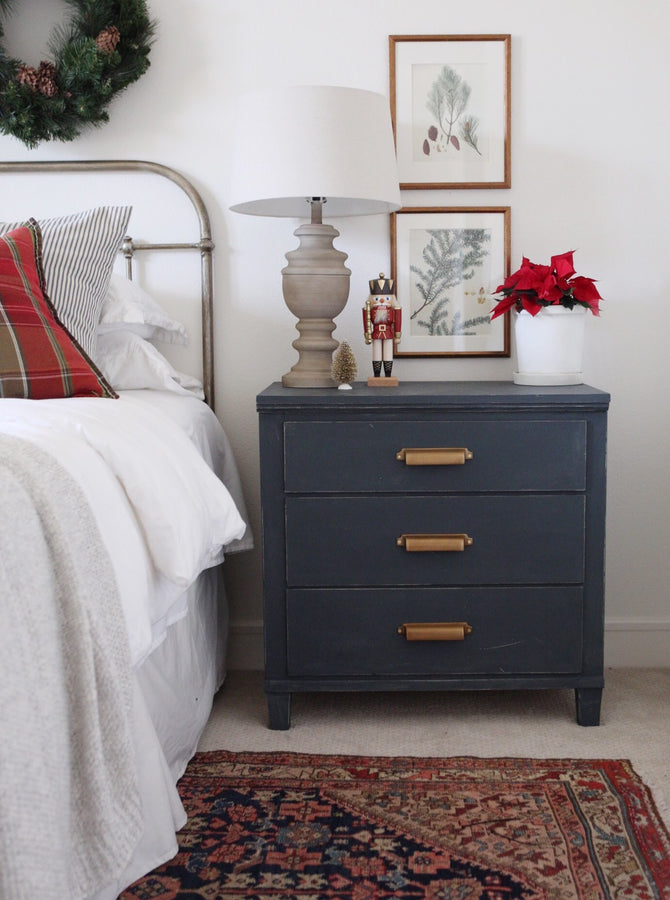3 Simple Ways to make your guest bedroom holiday ready