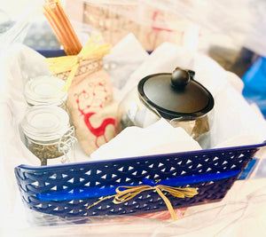 Yesss, Hunny! Holiday Basket