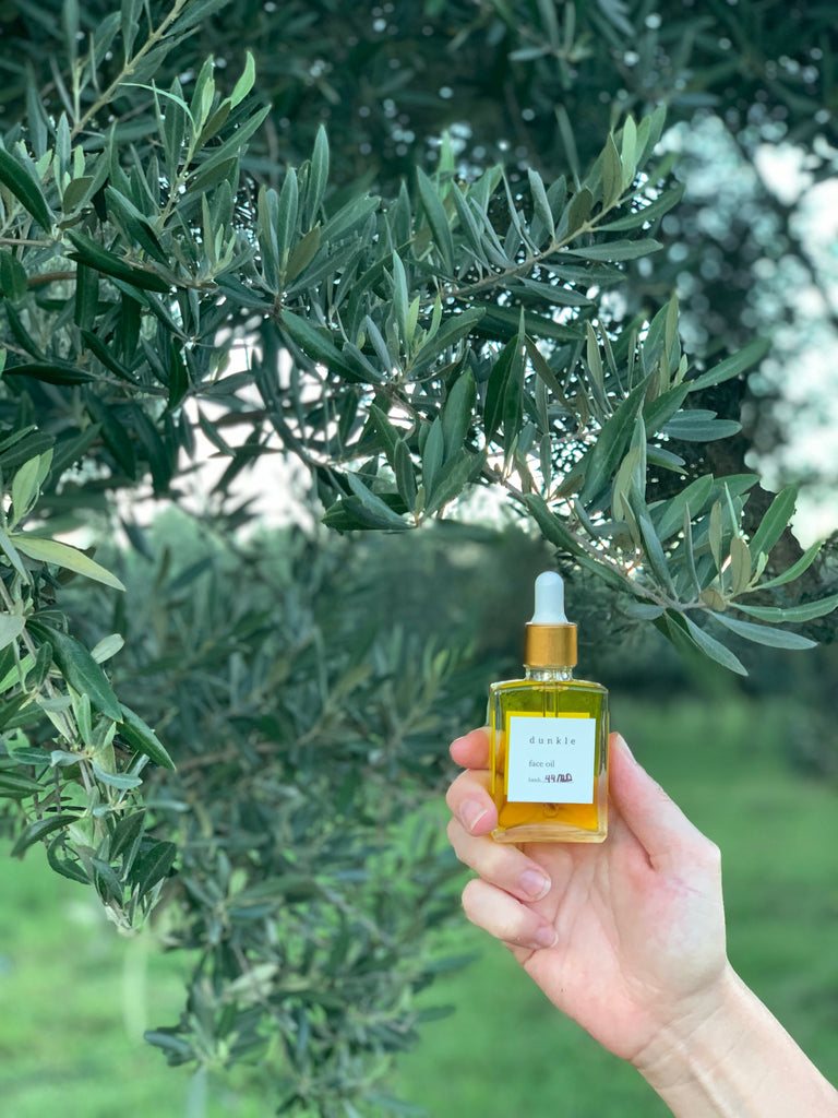 dunkle face oil featuring olive oil from Macintyre Brook Grove