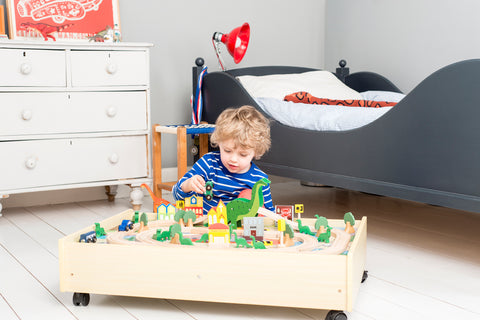 ROAR-A-SAUR play set