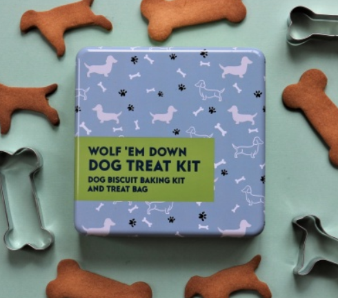 Gift in a tin - Wolf 'em down - Dog Treat Kit