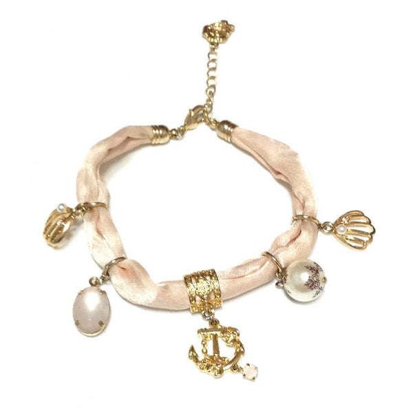 Anchor, Seashells and Pearls Fabric Bracelet in Pink x Gold from Axes Femme
