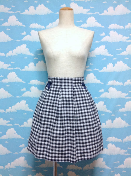 Bow Plaid Skirt in Navy x White