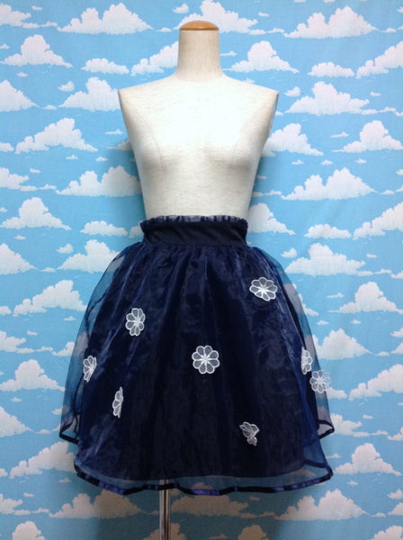 Organza Flower Applique in Navy x White from Penderie