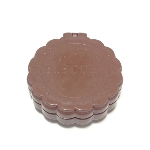 Compact Biscuit Mirror Brush in Brown