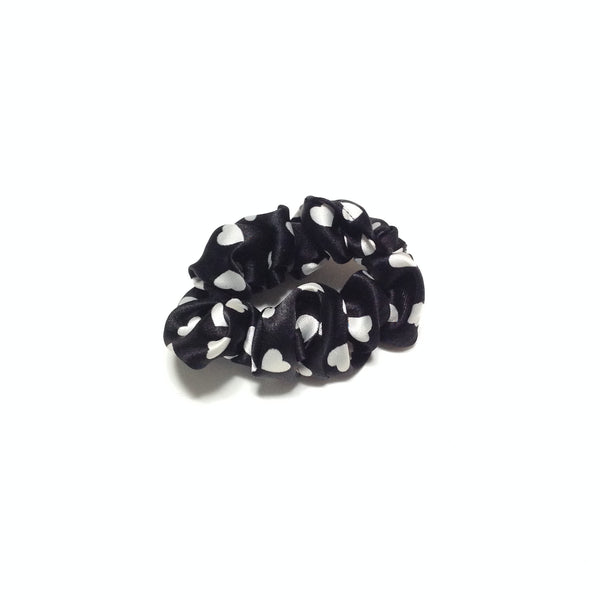 Heart Dot Scrunchie Set in Navy and Black x Ivory
