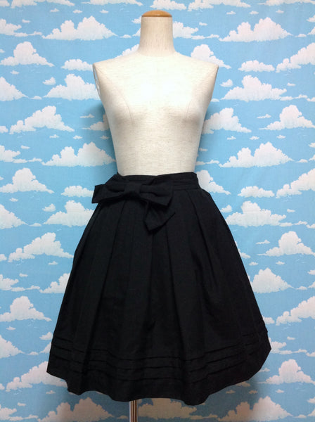 Big Back Bow and Pleats Skirt in Black